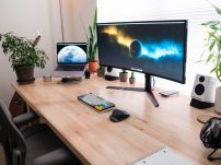 Become a graphic designer from home!